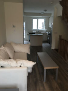 room in Luxurious Brand New Female Only House,Near York U