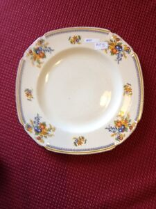 "Antique Plate John Maddock & sons ""Cameronion"""