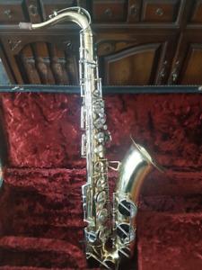 Tenor Saxophone + case + accessories