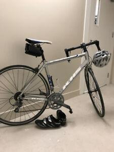 Vélo de route 54 pouces KHS