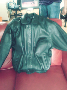 New Large to extra large Black Leather Coat