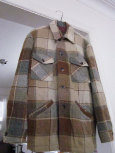 "Well Used MENS ""THE BAY"" BEIGE/BROWN PLAID WINTER COAT - Size S"