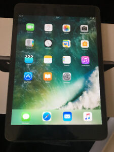 iPad mini 2 Space Grey - Wi-Fi 32GB 350$