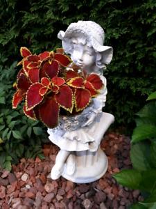 Figurine demoiselle de jardin