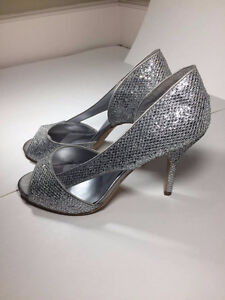 Le Chateau Prom Heels - Great Condition! - Size 9
