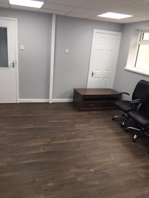 GROUND FLOOR OFFICE TO LET £100 INC BILL PER WEEK CALL 07947 683683