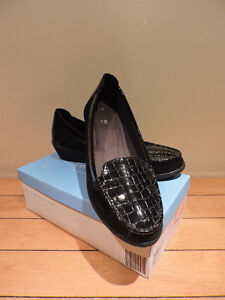 MINT CONDITION Comfort Plus Black Loafers