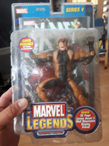 Marvel legends sabertooth