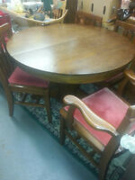 SOLID OAK DINING TABLE SUITE 6 CHAIRS
