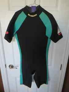 Mens wetsuit Size L Prince George British Columbia image 1