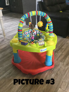 Baby Stuff- car seats, Exersaucer, activity table and bedding Moose Jaw Regina Area image 3