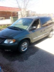 2002 Chrysler Town & Country Minivan, Van