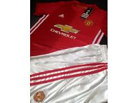 Kids man Utd home kits age 2/3 & 6/7 top and shorts (not iPhone iPad Xbox ps4 Galaxy Audi)