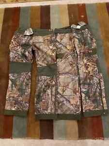 Underarmor Large Women's Camo Hunting Pants