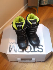 Boys winter Boots Size 13