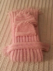 Baby Blankets, Beanies and Neckscarf Sets