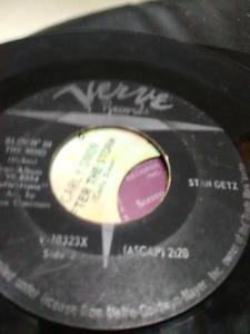 Tons of vinyl singles inc. Bob Dylan