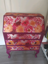 Advertising upcycled furniture