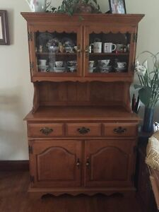 Roxton maple buffet excellent condition