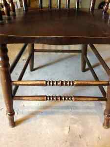 4 wooden press back chairs  and a claw table Peterborough Peterborough Area image 2