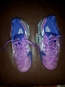 Asics running shoes n.w.t. / size 5