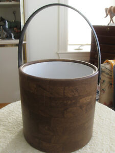 VINTAGE  ['70's]..INSULATED ICE BUCKET An ATTRACTIVE PLANT HOLDE