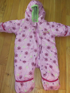 Baby girl's size 6 months snowsuit - Worn once!