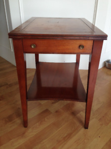 Henredon solid mahogany end table  - priced low to sell fast