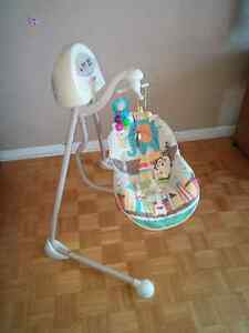 Balancoire berceuse  Fisher Price 60$