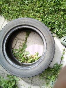 Pneu Hiver - Winter Tire 195 55 R15 Toyo 20$