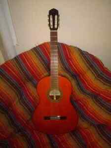 Yamaha 1972 classical acoustic guitar