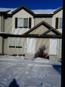 3 Bedroom 2 Storey Townhouse 1.5 bath Willowgrove