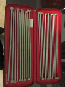 Vintage Set Of 12 Aero Knitting Needles In Case
