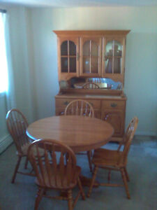 Antique Roxton Maple Dining Room Set
