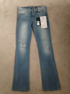 BRAND NEW - Women's GUESS Jeans
