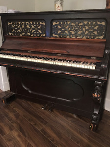 Old Piano...Pick up Only pls