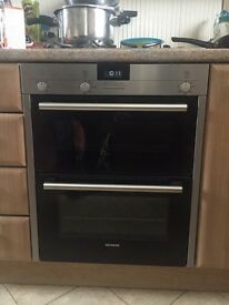 **Siemens double oven and grill almost new under 1 year old**