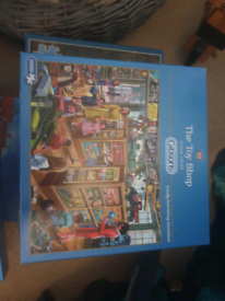 Two Gibsons jigsaw puzzles.