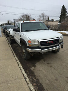 2005 GMC C/K 3500 White Pickup Truck