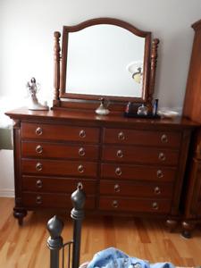 mobilier de chambre bois massif