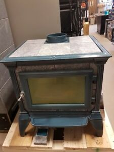 NEW - Hearthstone Castleton Wood Stove for Sale