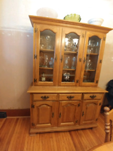 Dining Table & Chairs with  Hutch