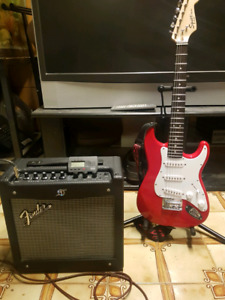 Fender Squier Mini with amp and Accessories