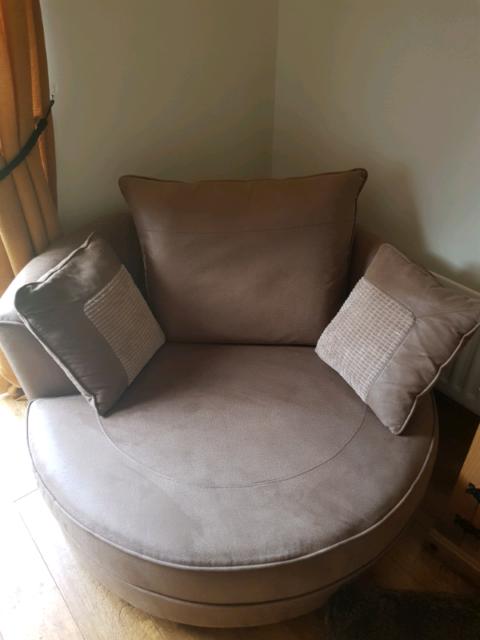 Super Brown Swivel Cuddle Chair In Yaxley Cambridgeshire Gumtree Cjindustries Chair Design For Home Cjindustriesco