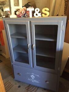 "GORGEOUS Display cabinet- Armoir/ Buffet -38""x53""x12"""