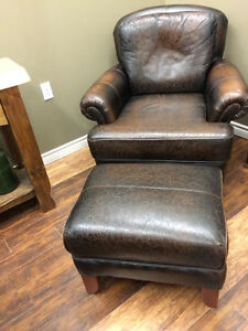 BLACK LEATHER CHAIR & MATCHING OTTOMAN