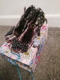 Size 7 irregular choice heels
