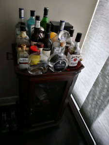 BAR AND WINE RACK/MARBLE COUNTER TOP