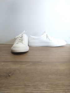 NEW Stacy Adams $120 white genuine leather sneakers Size 10 1/2