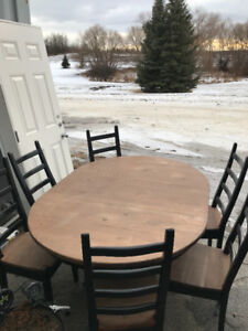 Pine Wood Dining Table with 6 Matching Chairs